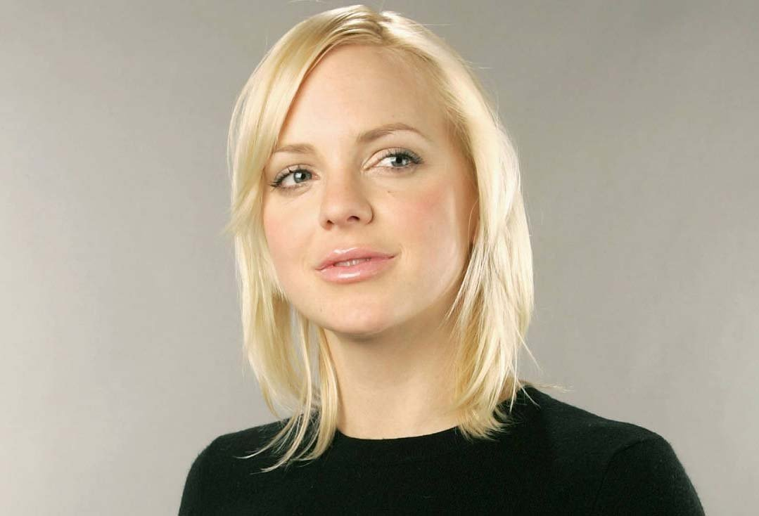 Anna Faris - Know About biography of Anna Faris with ...
