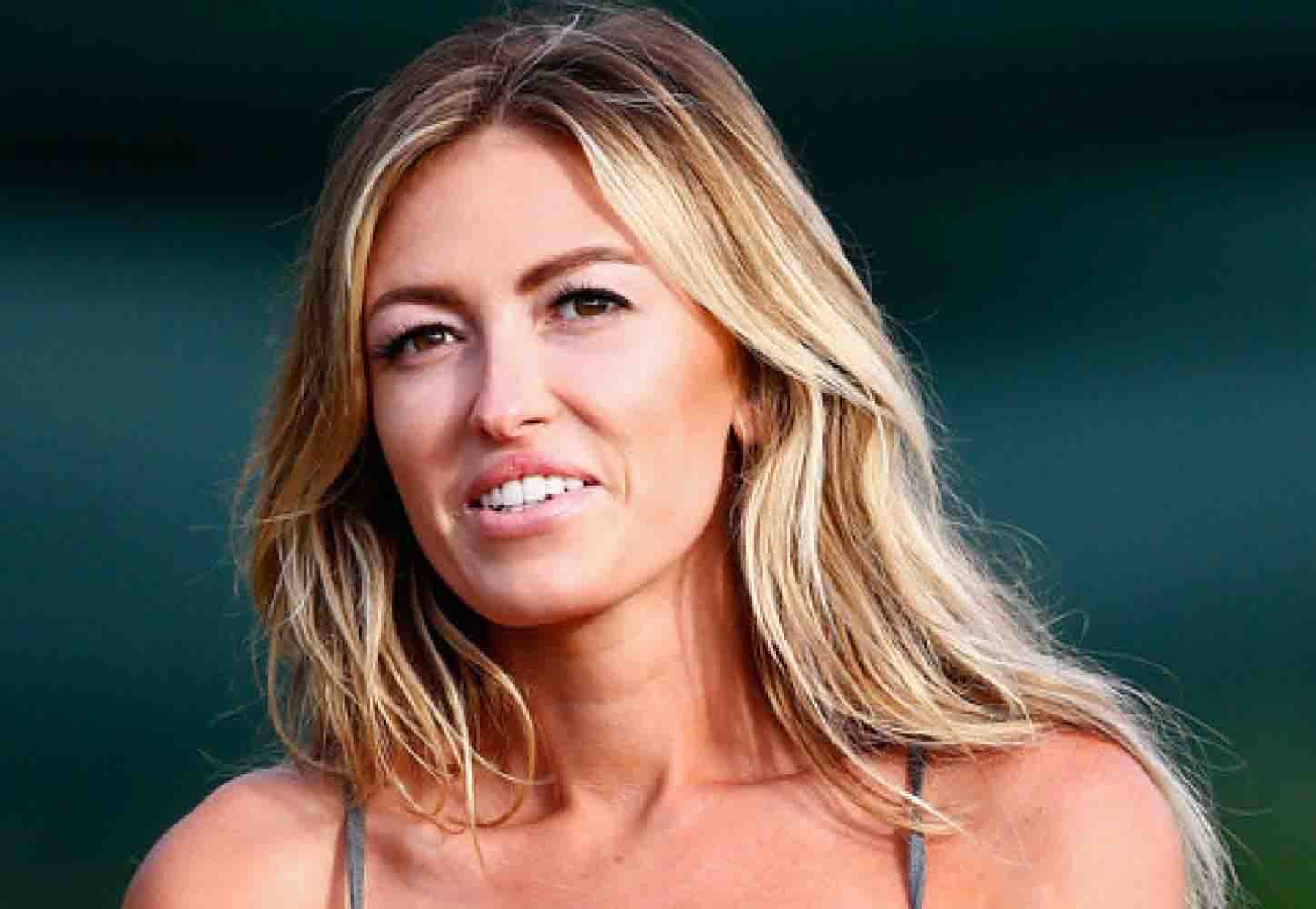Paulina Gretzky Bio Birthday Height Weight Boyfriend Dating Affair Married Net Worth