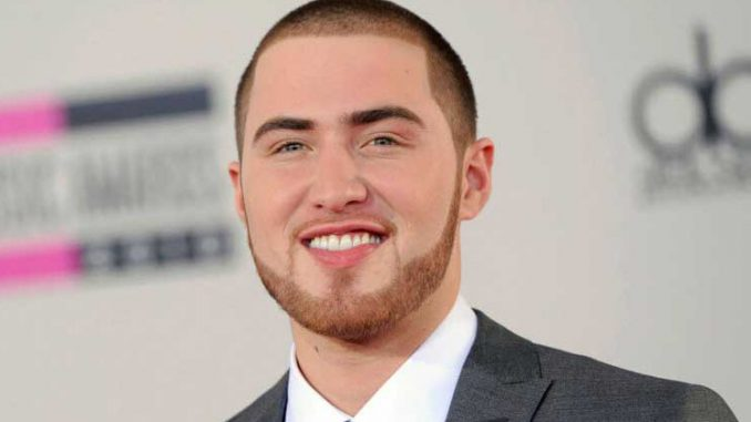 Is mike posner dating emily osment 1