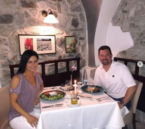 Jennifer Reyna and her lover having dinner at Cesky Krumlov.