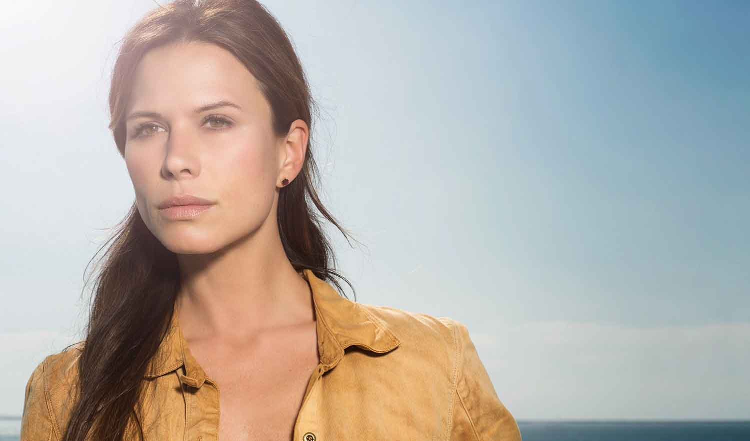 Watch Rhona Mitra (born 1976) video