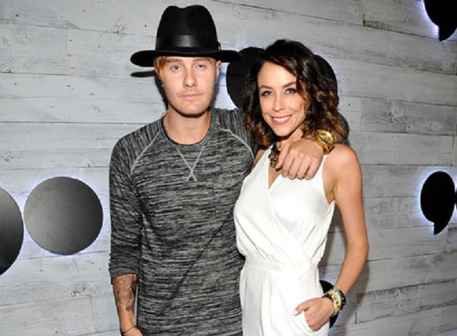 Bart Baker with desirable, Girlfriend Shira Lazar