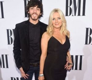 Chris Janson with his wife, Kelly Lynn