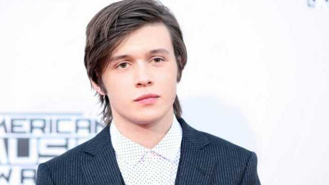 Nick Robinson Bio Net Worth Height Weight Girlfriend