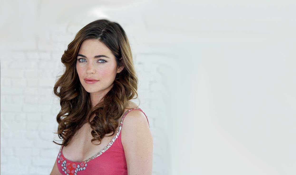 Amelia Heinle born March 17, 1973 (age 45)