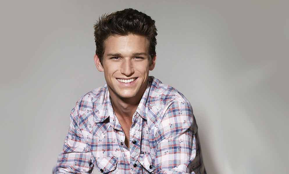 Daren Kagasoff And Shailene Woodley Relationship : Her parents divorced when she was 15 years old.