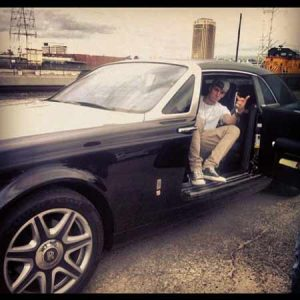 Casie's father MGK owns a Rolls Royce