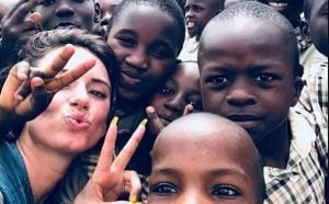 Julieanna Goddard clicked picture with the Ugandan schoolchildren