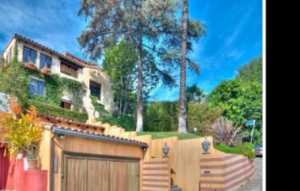 Actor Aaron Paul Snags Fiancée and New House