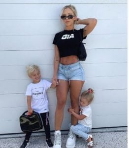 Tammy Hembrow with her two kids