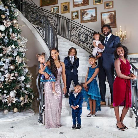Terricka Cason with her husband and five children