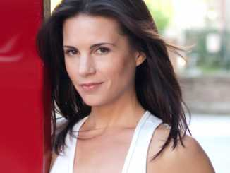 Leah Cairns Bio, Wiki, Age, Net Worth, Height & Husband