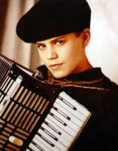 Paul Wesley Childhood