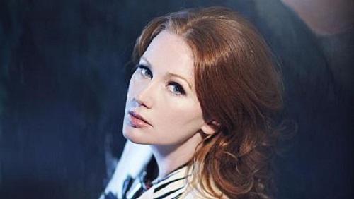 Singer Allison Moorer photo