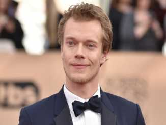 Alfie Allen Bio, Wiki, Age, Net Worth, Married, Wife, Height
