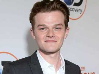 Robert Aramayo Age, Bio, Height, Net Worth & Girlfriend