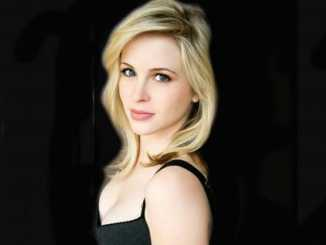 Photo of an actress Amy Gumenick