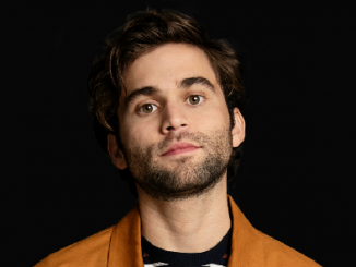 Image of an actor Jake Borelli