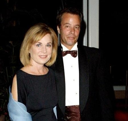 Roxanne Hart and her husband Philip Casnoff photo