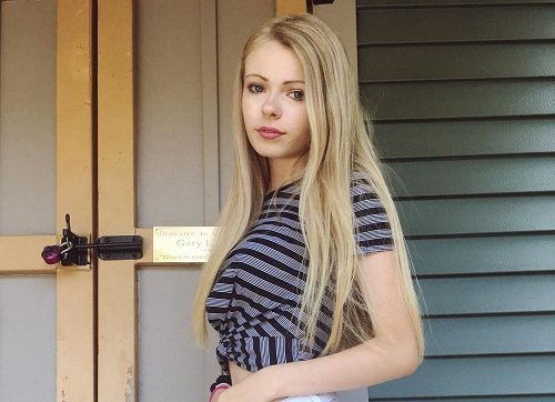 Photo of an actress Addy Miller