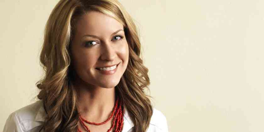 Ali Hillis Bio, Wiki, Age, Height, Net Worth, Married