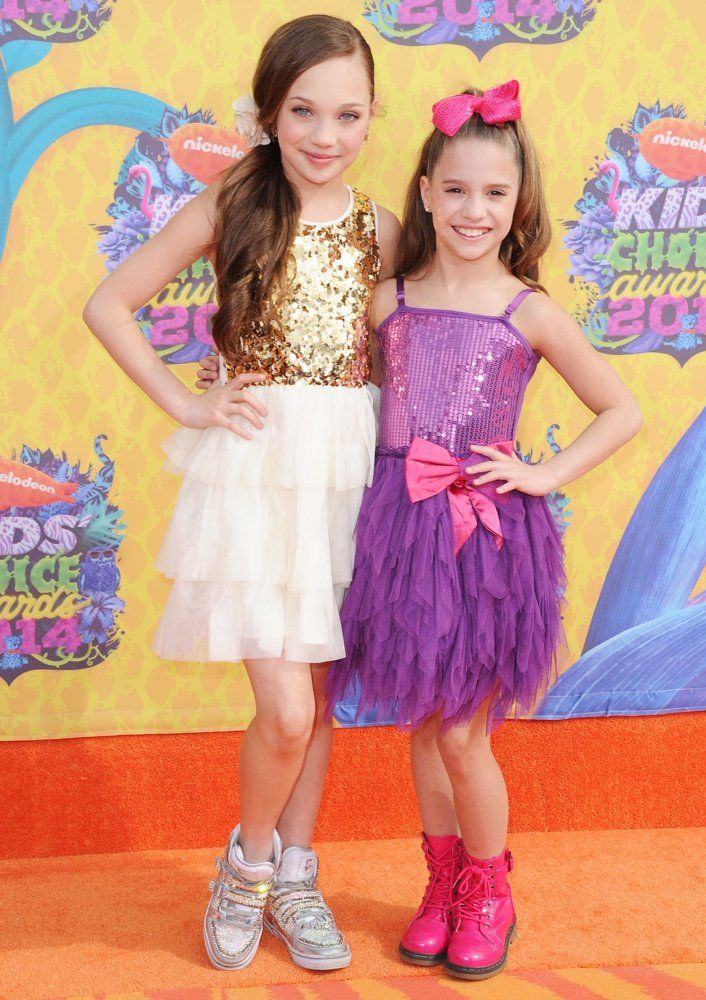 Mackenzie Ziegler with her sister Maddie Ziegler photo