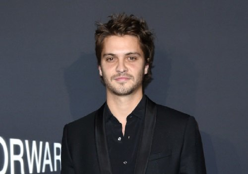 Actor Luke Grimes image