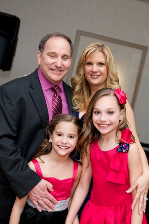 Greg Gisoni with his spouse and step-kids. children wife, spouse, husband, partner, relationship, marriage