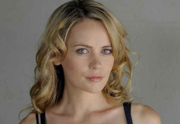 A short Bio on American Actress Camille Keenan