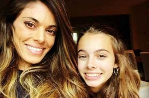 Lindsay Hartley with her daugther