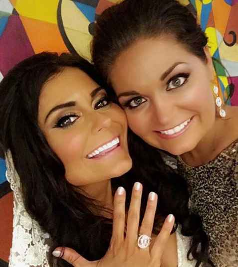 Dianne Gallagher flaunting her ring image
