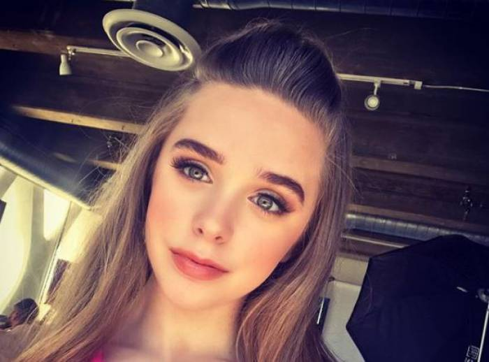 15-year-old actress, Jenna Davis