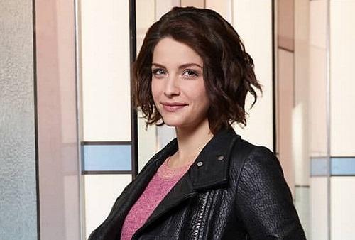 Actress Paige Spara photo