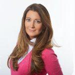 Image of a journalist Anna Davlantes