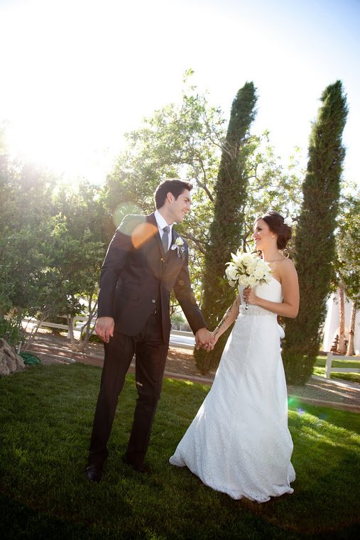 Carolina Sarassa and her husband Andres Chacom in their wedding
