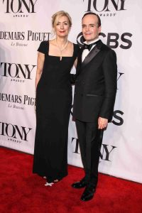 Jefferson Mays and Susan Lyons in Tony Award ceremony.