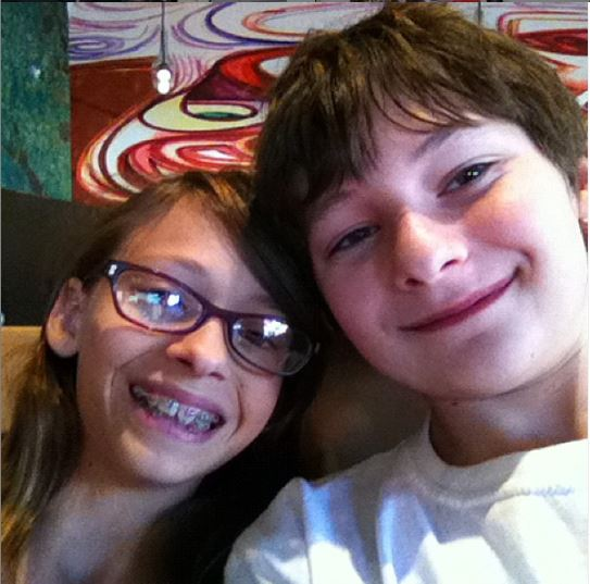 Childhood photo of Jared Gilmore with his twin sister, Taylor.