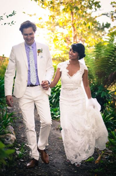 Karen David and Carl Ryden in their wedding ceremony.