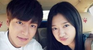 Lee Min-ho and Park Shin Hye during The Heirs movie Shot. relationship, affair, boyfriend, girlfriend. Is he married? Who is his Lee Min-Ho Wife?