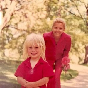 Childhood photo of Lauralee Bell with her mother.
