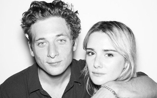 Who is Jeremy Allen White Girlfriend? Know about His Relationship Status