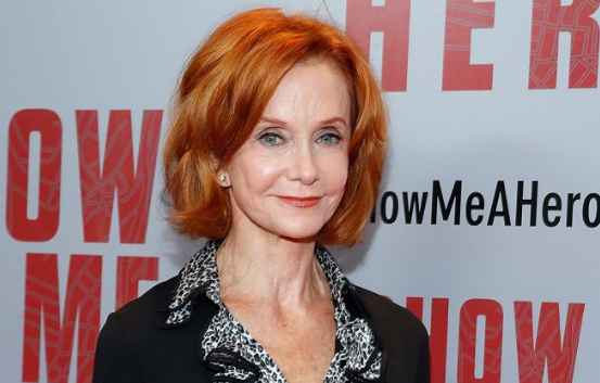 Who Swoosie Kurtz Husband? Is she Married? Or Single