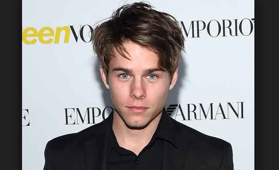 How old Is Jake Manley? Jocelyn Hudon & His Relationship Status