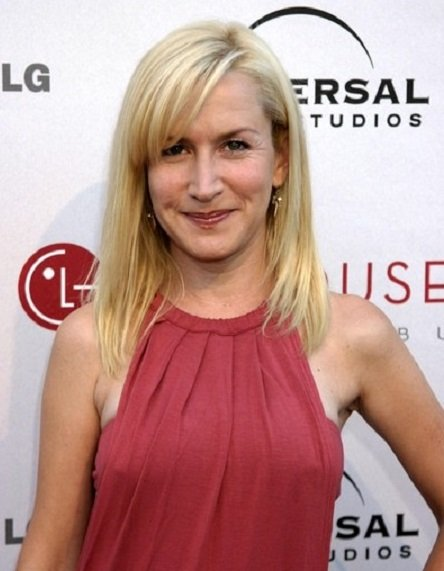 Angela Kinsey with regular blond hair without a bra,