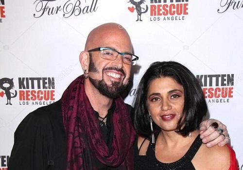 Minoo Rahbar and her spouse Jackson Galaxy
