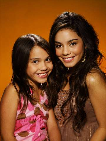 Childhood photo of Stella Hudgens with her sister.