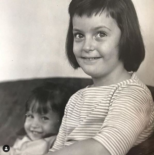 Childhood photo of Liz Callaway with her sister, Ann Hampton Callaway.