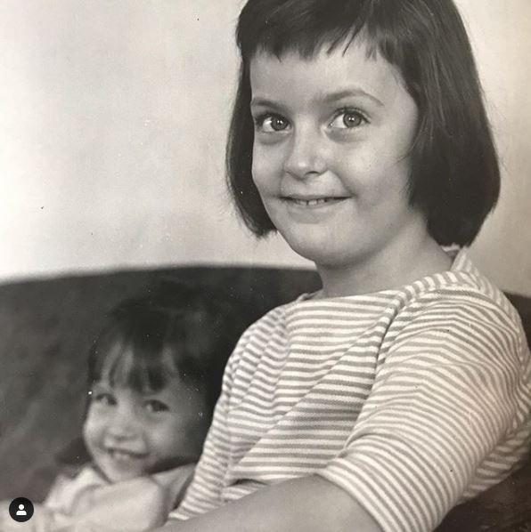Childhood photo of Liz Callaway with her sister, Ann Hampton Callaway.