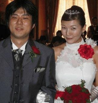 Chiaki and Eiichiro in their wedding day