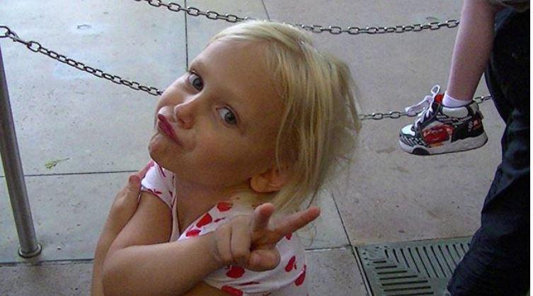 Childhood photo of Alyvia Alyn Lind.